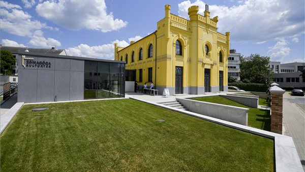 Csodarabbi csoda-zsinagógáját avatták újra Berettyóújfalun